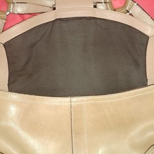 Coach Bags - COACH Brown Tan Camel Saddle Leather Hobo Handbag